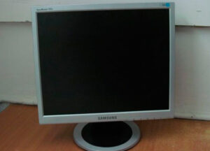 -17-samsung-syncmaster-721-n-kiev
